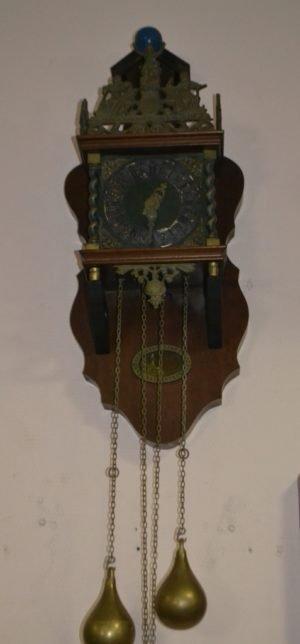 Настінний годинник-0