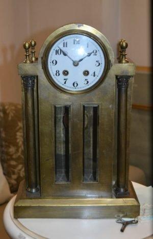 Антикварний годинник -0