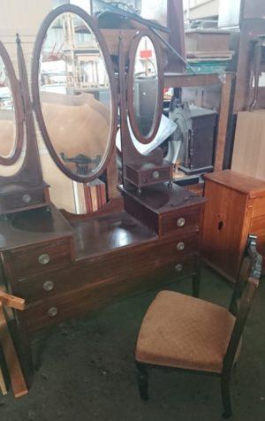 Античне трюмо та крісло під реставрацію, А10028-0