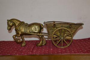 Латунна скульптура Кінь з візком, А10114-0