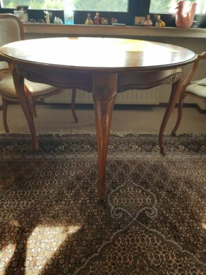 Столик та 4 стільці з підлокітниками Чіппендейл, А10159-0